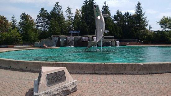 monument-du-saumon