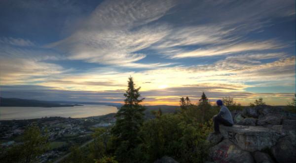 Sugarloaf-Provincial-Park